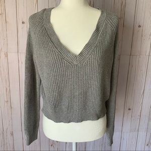 FOREVER 21 gray, cropped low V neck sweater NWOT